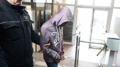 13,4 и 12 години затвор за убийците на таксиметровия шофьор от Варна (снимки)