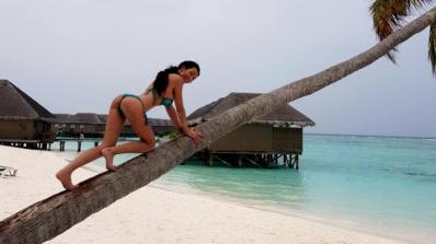 Катрин Вачева се пусна гола от Малдивите (снимки)