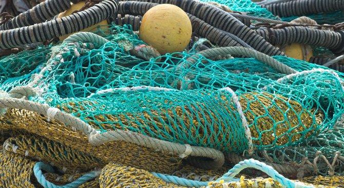 Намериха бракониерски мрежи в язовир Ястребино