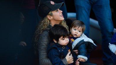 Шакира се оплака на полицията, папарак ровел в боклука й
