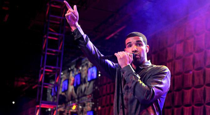 """Дрейк е начело в класацията на """"Билборд"""" за сингли за 9-та поредна седмица"""