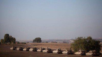 Израелските войски раниха 13 палестинци при границата с ивицата Газа