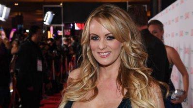 Порнозвездата Сторми Даниълс заяви, че била заплашена, за да мълчи за връзката си с Тръмп