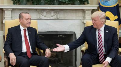 Тръмп и Ердоган обсъдиха ситуацията в Сирия и Ирак