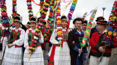 Великден в Полша - агне, сладкиши и шарени яйца (снимки)