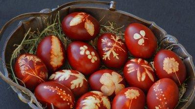 Подаряват 1000 червени яйца в Гигинския манастир