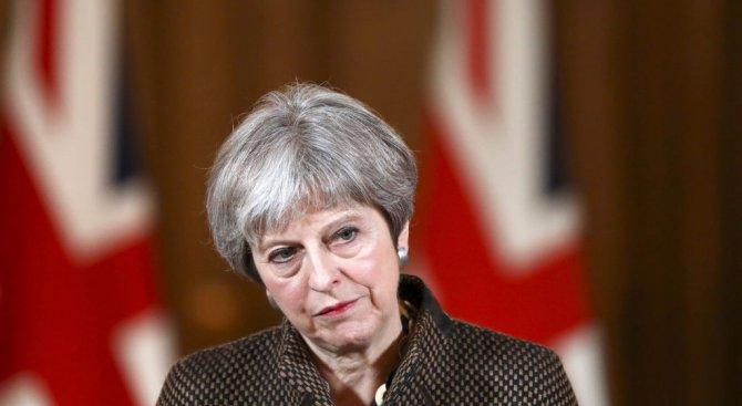 Тереза Мей: Великобритания удари Сирия заради националния си интерес, а не по заповед на Тръмп
