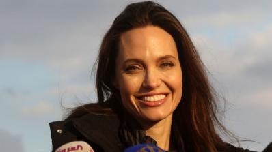 Анджелина Джоли припаднала в дома си