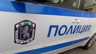 Мъж вилня в полицейския участък в Кърджали