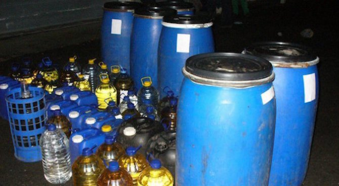 Спипаха цех за производство на алкохол и половин тон спиртни напитки