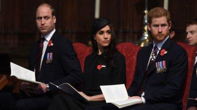 Принц Уилям заспа до Меган Маркъл в църква (снимка+видео)
