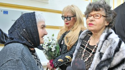 Стоянка Мутафова се срещна с астралната си близначка от Силистра (снимки)