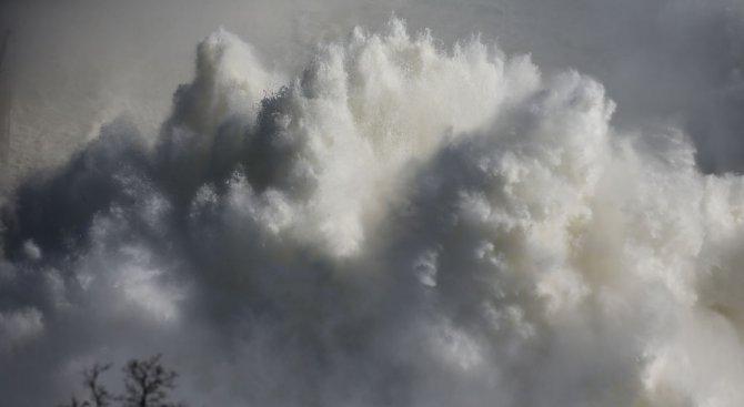 Склад с боеприпаси гръмна в Украйна (видео)