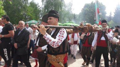 Вижте уникалния празник на родопското чеверме в Златоград (обновена+снимки)