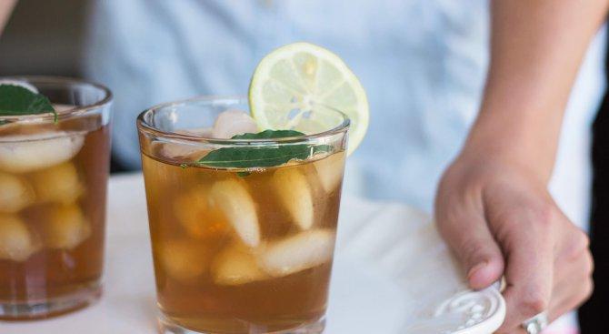 Студеният билков чай помага за отслабване