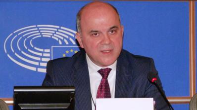 Бисер Петков: Пазарът на труда има остра нужда от висококвалифицирани кадри