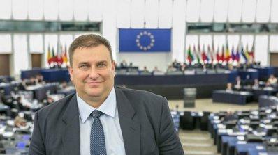 Емил Радев: Държавите трябва да разяснят на гражданите си как да се предпазват от посегателство в ин