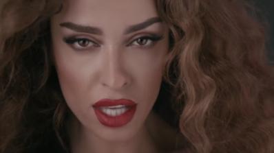Кипърка копира песен на Поли Генова (видео)