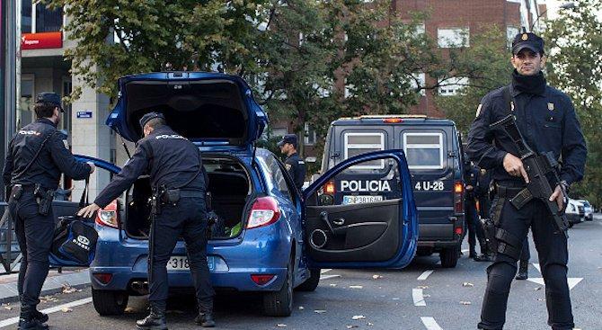 41 българи са задържани за трафик на хора в Испания (видео)