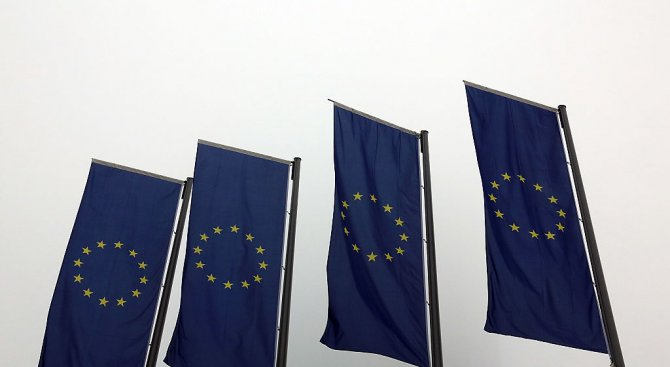 ЕС загърбва долара при плащането на иранския петрол?