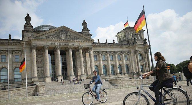 Германия е похарчила над 20 милиарда евро за преодоляване на миграционната криза през 2017 г.