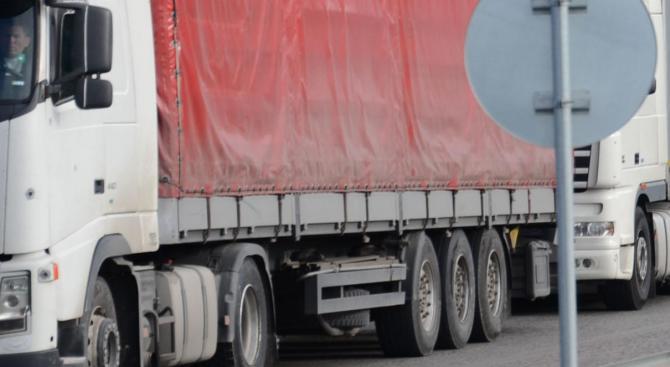 Интензивен трафик на границата с Турция