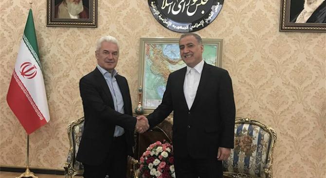 Сидеров иска от правителството пряк полет София-Техеран