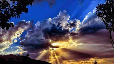 Днес Висшите сили говорят чрез знаците на небесата
