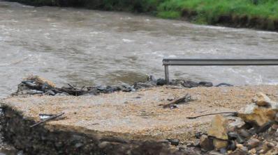 Отпадъчни води от свинекомплекс замърсиха три реки в района на Пазарджик