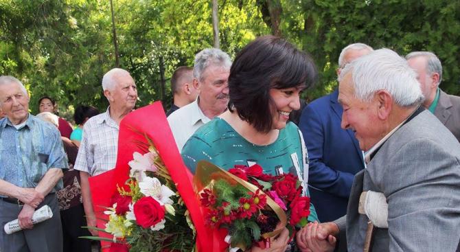 Нинова призова жителите на Галиче да изберат кмет, който ще e стопанин за всички