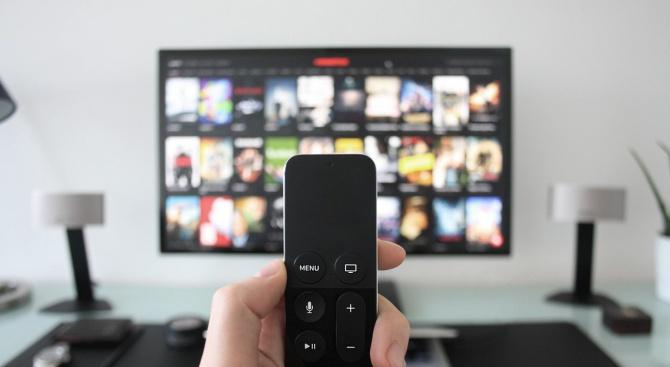 Британците зяпат телевизия по 10 години от живота си