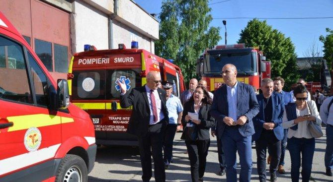Цветанов и членове на Комисията по вътрешна сигурност посетиха Инспектората за спешни случаи Доброге