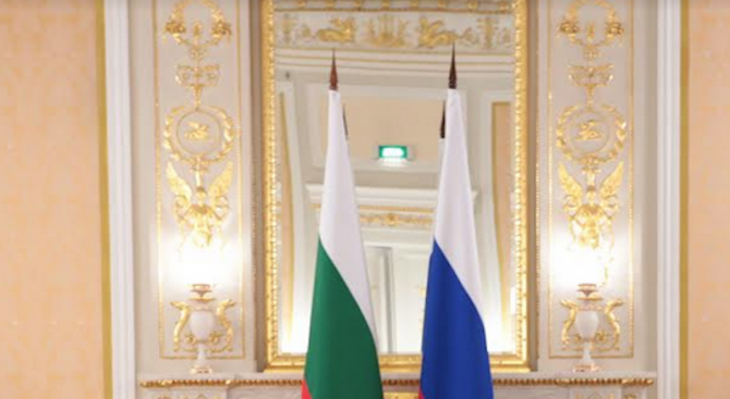 Поставено лице на Русия в ЕС ли е Румен Радев?