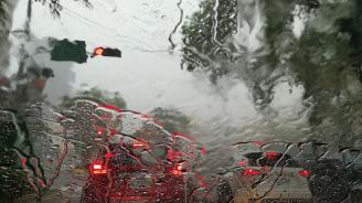 Силна буря връхлетя Пловдив