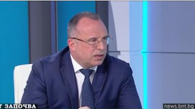 Земеделският министър обясни каква ще е помощта за розопроизводителите