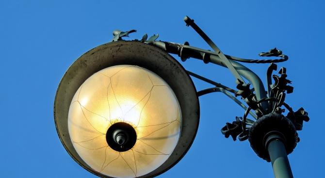 Енергоспестяващо улично осветление грейва в Пампорово