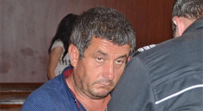 Оставиха в ареста двойния убиец Гюнай Мюмюн (снимки)