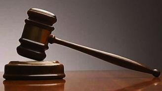 Спецсъдът постанови по 4 години затвор на двама обвинени за изнудване