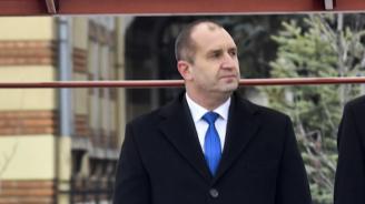 Президентът Румен Радев и съпругата му ще бъдат домакини на традиционния абитуриентски бал за младежи в неравностойно положение