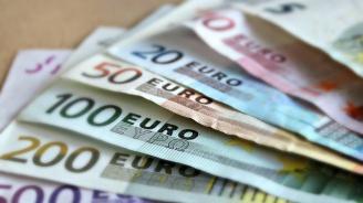 Еврото се срива заради кризата в Италия