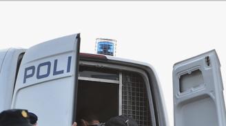 Хърватски полицаи откриха стрелба по ван с мигранти, има ранени деца