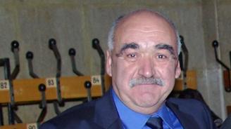 Обсъждат оттеглянето на проф. Камен Плочев