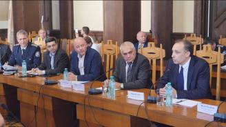 Министър Радев участва в обществено обсъждане на нов Закон за движение по пътищата (видео)