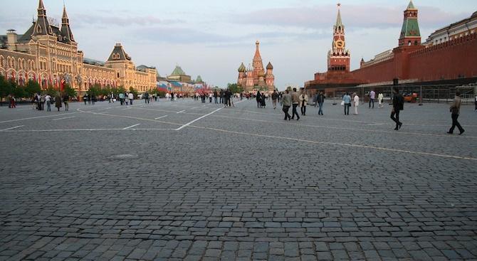 Полицията арестува британски активист за правата на ЛГБТ за неразрешен протест в Москва