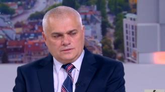 Валентин Радев: Няма да подавам оставка, мога да се справя