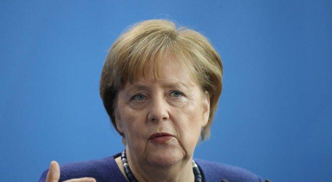 Меркел коментира туитовете на Тръмп за Г-7 и убийството на 14-годишно момиче от мигрант