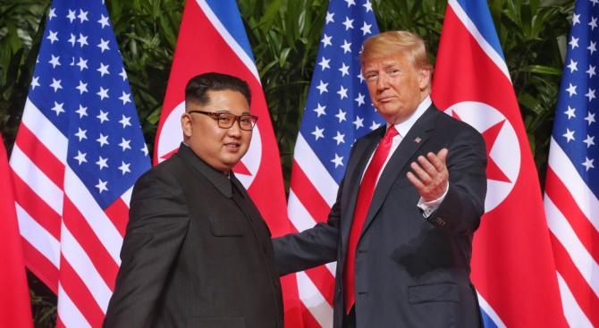 Тръмп и Ким се видяха на четири очи