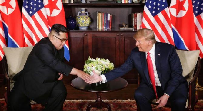 Уолстрийт джърнъл: Доналд Тръмп и Ким Чен-ун започнаха нова фаза в дипломацията