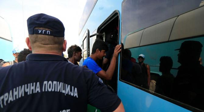 Сръбска медия: ЕС има таен план да залее Балканите с имигранти