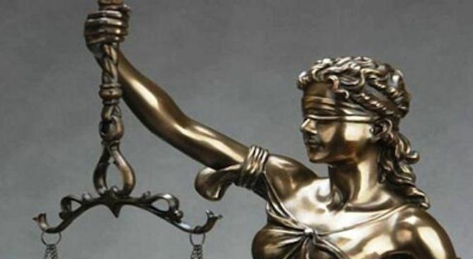 По 25 години затвор за трима български трафиканти заради камиона-ковчег